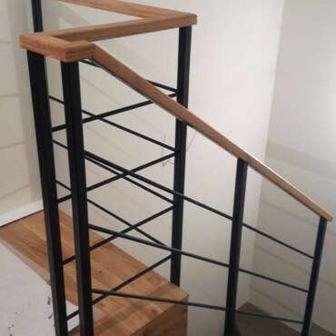 barierka na schody w domu jednorodzinnym w Warszawie