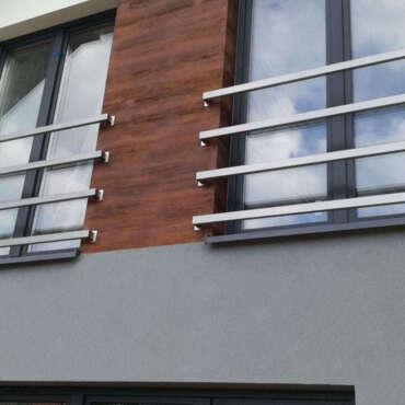 nowoczesna balustrada francuska na terenie Warszawy
