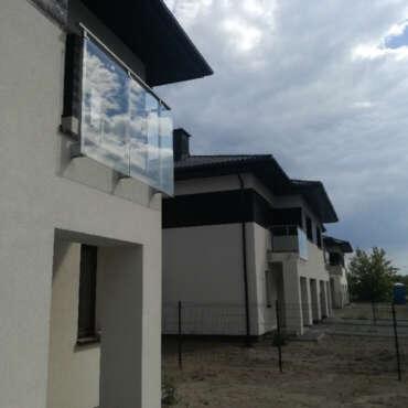 zabezpieczenie balkonu ze szkła