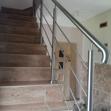 poręcz do schodów wewnętrznych ze stali nierdzewnej