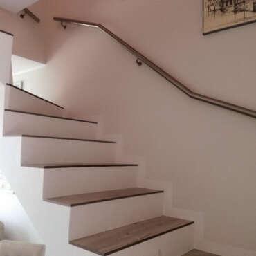 barierka nowoczesna do schodów wewnętrznych