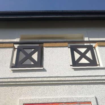 malowane proszkowo balustrady zewnętrzne