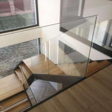 balustrada schodowa cała ze szkła