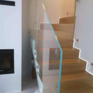 szklane barierki do wnętrza domu